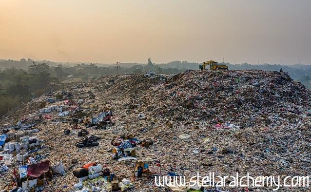Bumi Terselimuti Limbah Sampah
