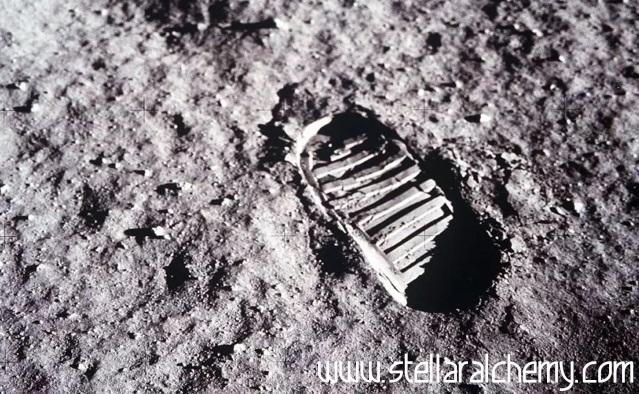 Tapak Kaki Astronot Di Bulan Tertinggal Sampai Ratusan Juta Tahun